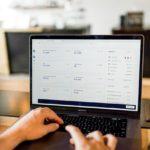 Cryptowährungen Kurse am Notebook