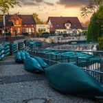 Kanus in einem Spreewald-Hafen